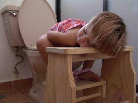 У ребенка понос без температуры чем лечить