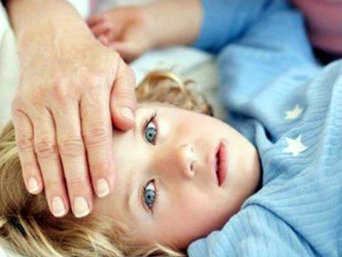 Понос и температура у ребенка 1 лет, что делать