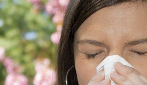 Что делать слезятся глаза при простуде