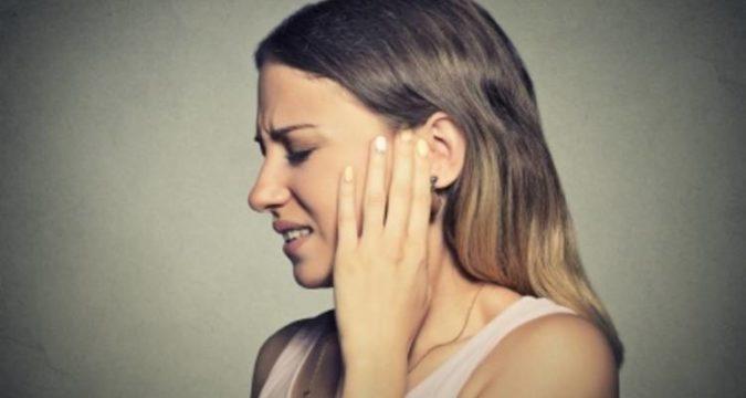 Что делать болит ухо при простуде